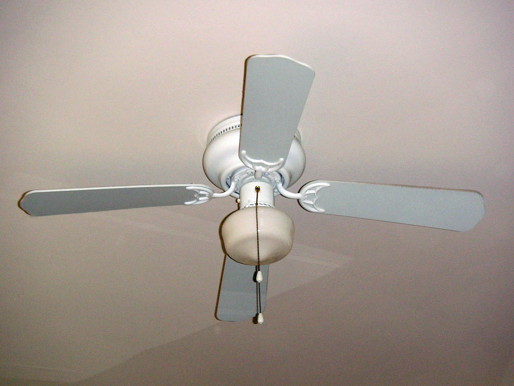 Interior pictures north arlington charmer for Bedroom ceiling fans
